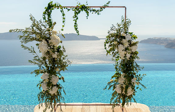 Glamorus White & Gold Wedding in Cavo Tagoo
