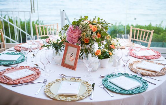 Pastel mint-pink wedding in Athens